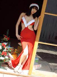 SATSUKI 身著聖誕服裝的美女